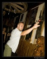 Michał gra w rzutki