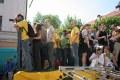 żółta platforma