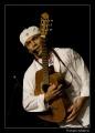 Jose Torres z gitarą
